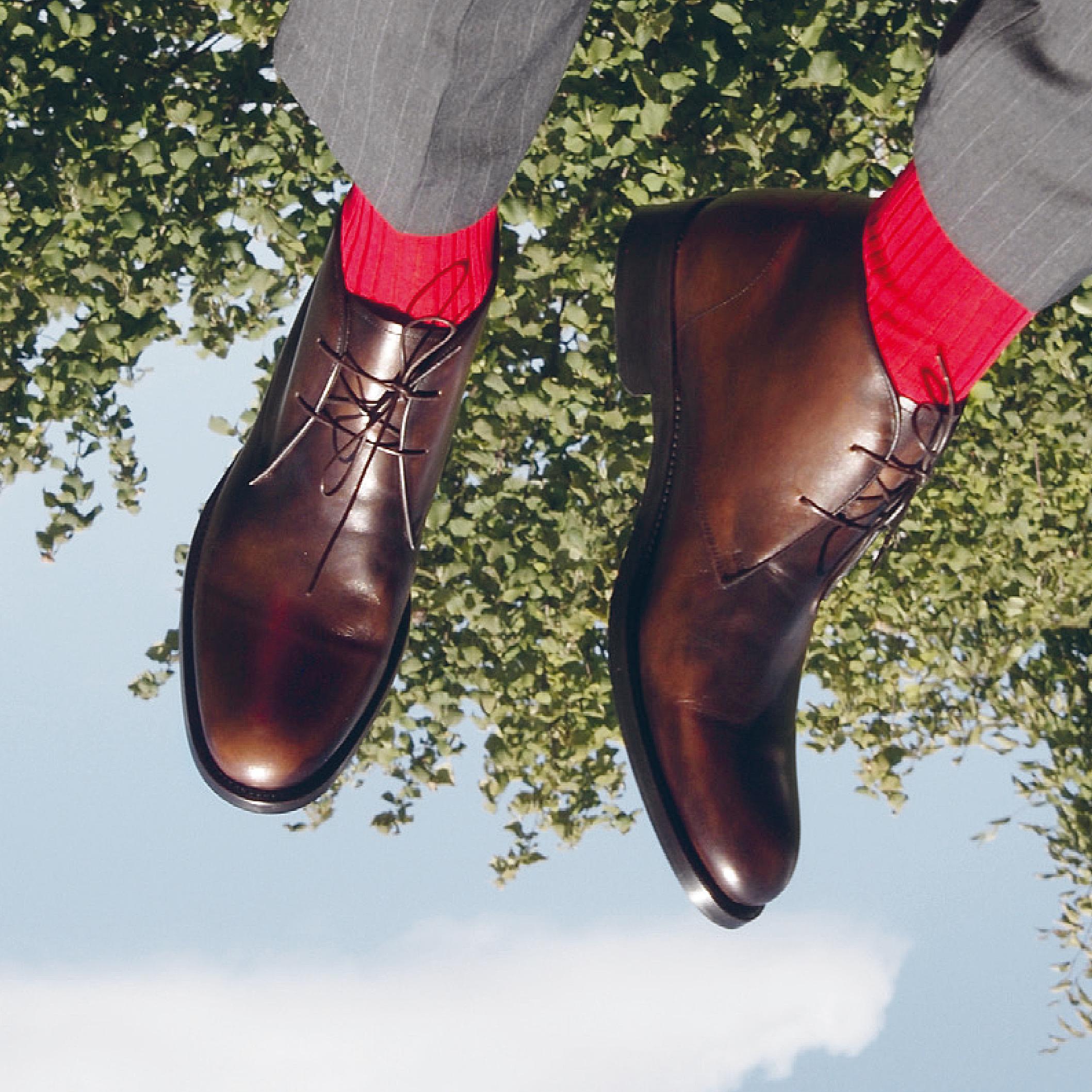 Herrenschuhe Risch, blaue Socken