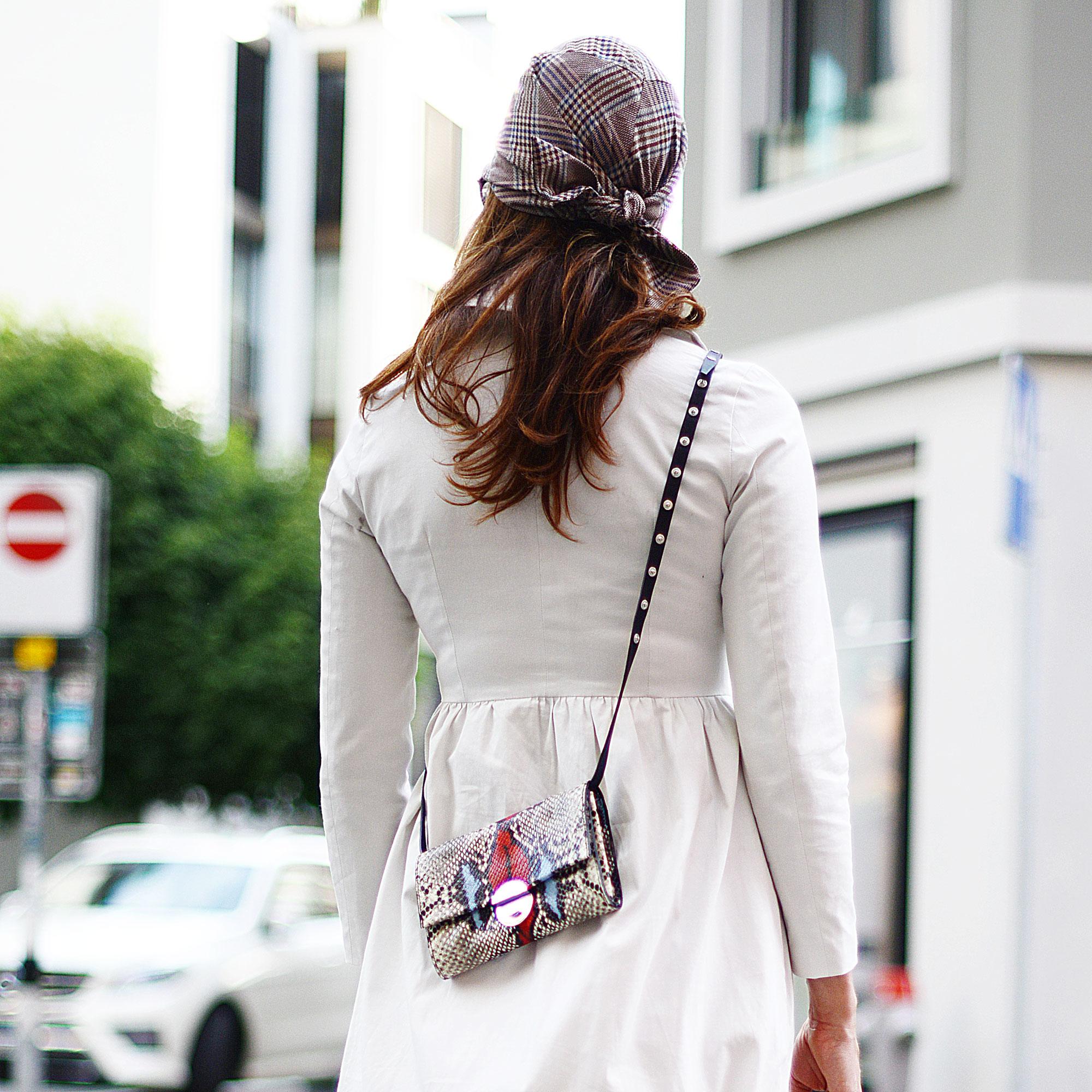 Hut zum Kleid